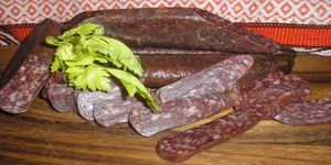 Home Soujuk: popis produktu a arménsky recept