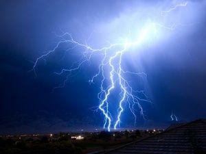 Čo znamená blesk: dekódovanie podľa rôznych snov
