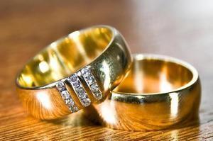 Čo si sníva snubný prsteň na vašom prst? Interpretácie rôznych snov