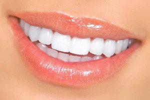 Ako môžem robiť zuby biele doma?