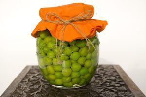 Konzervovaný hrášok v plechovkách: pravidlá výberu a domáce recepty
