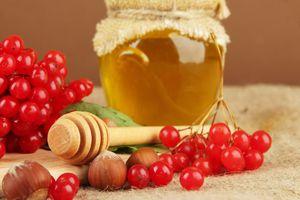 Užitočné vlastnosti vitamínu s medom