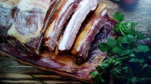 Príprava údenej slaniny doma horúcou metódou