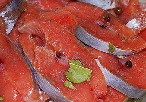 Recepty na losos v sošom lososa s cibuľou