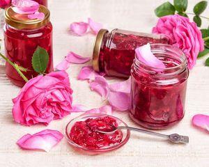 Recepty z džemu z ružových lístkov