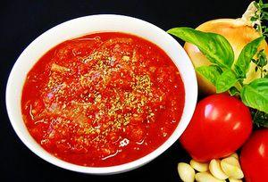 Recepty lahodných šalátov z paradajky na zimu